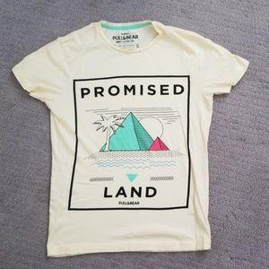 🐵 Pull&bear tee, graphic tee, shirt size medium.